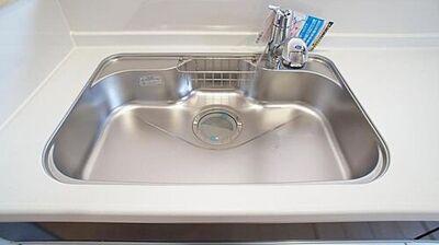石巻市大街道南第9 全8棟 1号棟 浄水器一体型水栓同仕様例 浄水を通したお水は、安心してお料理に使えます