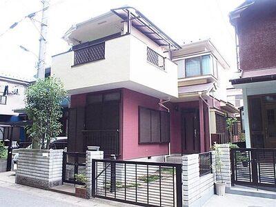 鎌ヶ谷市道野辺 中古 4LDK 木造2階建ての建物外観です。