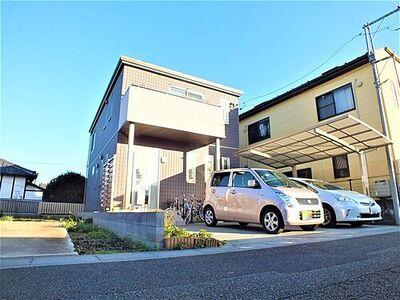 平成28年、セキスイハイム施工のパルフェーbjスタイル。ソーラーパネル、蓄電池搭載のオール電化住宅