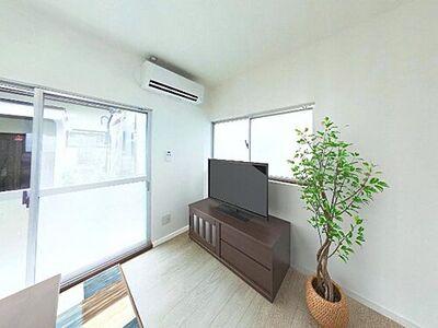浜松市中区鴨江3丁目 戸建て 価格には消費税、リフォーム費用を含みます。自社物件につき随時ご案内可能。内覧希望の方はお電話ください。画像は実際の写真に家具や調度品をCG合成したものです。