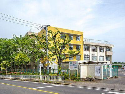日高市中鹿山 土地面積51坪の角地 日高市立高根小学校 (約310M)