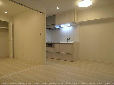 湯島永谷マンション リフォームしてきれいになった室内です