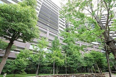 亀戸レジデンス JR総武中央緩行線「平井」駅徒歩11分。総戸数707戸のビッグコミュニティ。充実の共用複合施設。