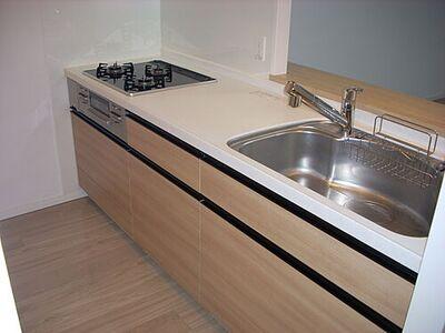 クリオ中央林間 キッチンは作業スペースが広く、お料理しやすそうですね。