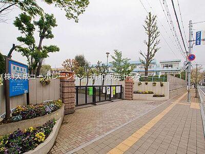 サンマンション戸田 周辺環境:小学校 1120m 戸田第一小学校