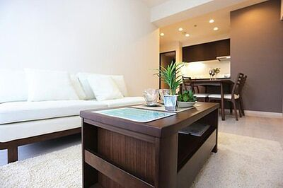 ライオンズマンション大倉山 「LDK」約12.2帖 家具・エアコン1台付き