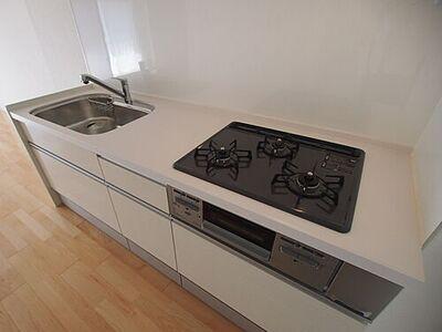 ライオンズマンション台原 使いやすいシステムキッチンで、毎日のお料理が楽しくなりますね。