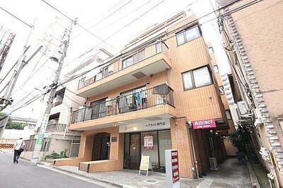 TTKフラット 「TTKフラット」神泉駅徒歩1分の好立地。人気エリアの120m2以上の広々なお部屋。南向き・陽当たり・通風良好。