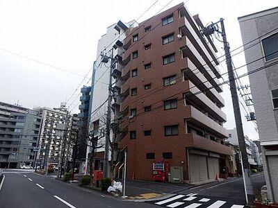 リブゼ西横浜 角地に建ち、バルコニー側に建物がない開放感のあるマンション。