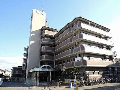 ノバ鶴見 中古マンション 平成29年改装済みのきれいな外観です