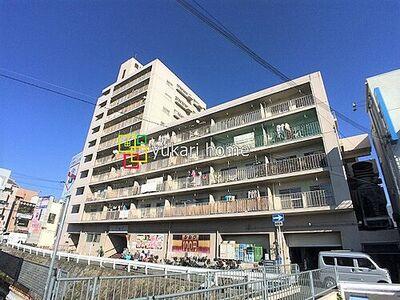 豊津ファミリー 最寄り駅まで徒歩約1分の好立地一階部分には商業施設が入っております