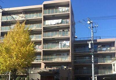 クリオ弘明寺桜通り壱番館 弘明寺駅徒歩8分の好立地。2線3駅利用可能です。H15年築の外観も綺麗なマンション。