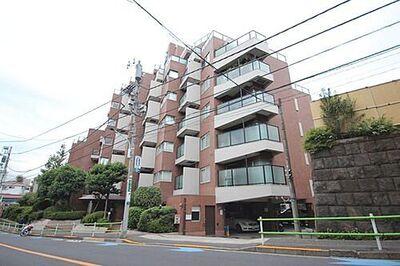マンション白金台 「マンション白金台」「白金台」駅徒歩3分。シェラトン都ホテル東京、八芳園を望むロケーション。新規内装フルリフォームマンションのご紹介です。空室のため、すぐにお内覧頂けます。