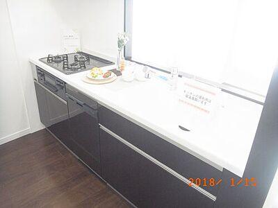 グリーンキャピタル大和 横幅のある大きなシステムキッチンで、毎日のお料理も楽しくできますね。