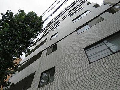 日興ロイヤルパレス西麻布陽当り良好・即入居可 閑静な住宅街に位置するレジデンス