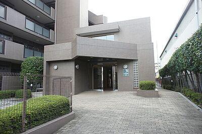 メイツ武蔵浦和ガーデン エントランスです。