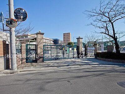 プラウドシティ浦和サンライズコート 周辺環境:小学校 1100m 仲本小学校